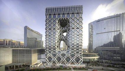 У Китаї з'явився футуристичний готель з екзоскелетом - фото 1