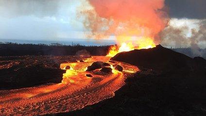 На Гаваях з вулкана посипалися дорогоцінні камені - фото 1