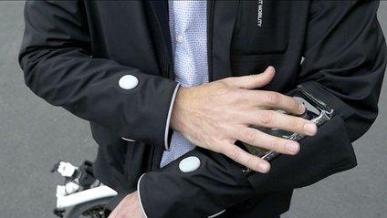 Компанія Ford розробила розумну куртку для велосипедистів - фото 1