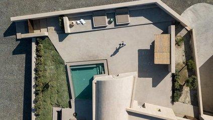 Який вигляд має ідеальне літнє помешкання у Греції: яскраві фото - фото 1