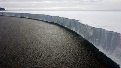 NASA опублікувало знімок гігантського айсберга - фото 1
