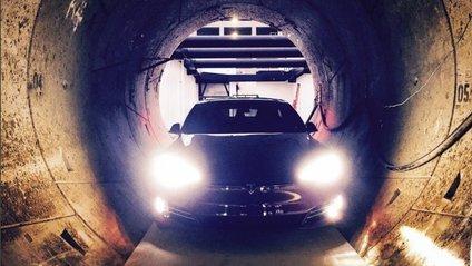 У швидкісному тунелі під Лос-Анджелесом запустили Tesla Model X - фото 1
