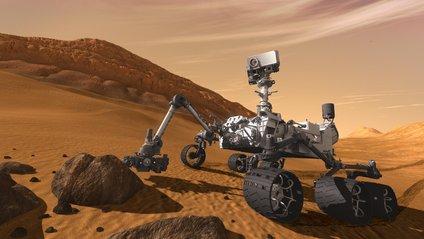 Марсохід Curiosity показав селфі на тлі бурі - фото 1