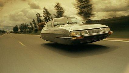 Художник перетворює старі авто у футуристичний транспорт - фото 1