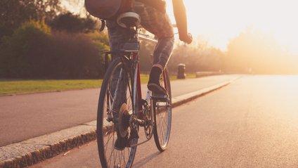 Учені розповіли, коли найкорисніше кататися на велосипеді - фото 1