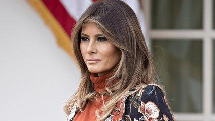Напис на куртці Меланії Трамп спровокував скандал в США - фото 1