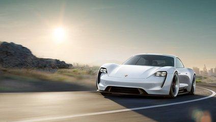 З'явився перший тизер серійного електромобіля Porsche Taycan - фото 1