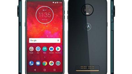 Motorola Moto Z3 Play представили офіційно - фото 1