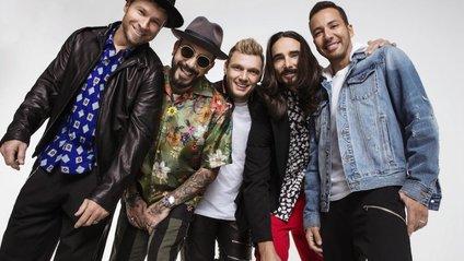 Backstreet Boys зіграли свій хіт на шкільних інструментах: кумедне відео - фото 1