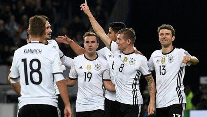 Збірна Німеччини приголомшила шикарним голом з кутового - фото 1