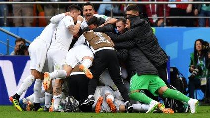 Уругвай та Росія набрали по 3 очки після 1 туру - фото 1