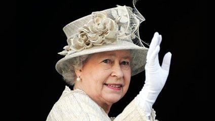 Королеву Британії прооперували: названо причину - фото 1