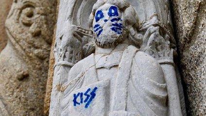 Статуя 12 століття - фото 1