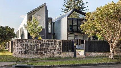 В Астралії звели дім зі струмком - фото 1