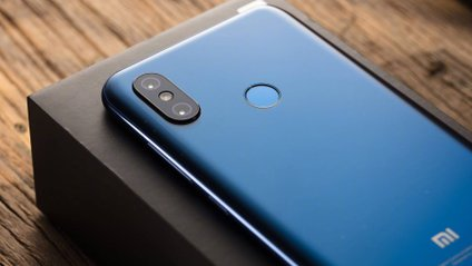 Xiaomi Pocophone F1 уперше засвітився в бенчмарку - фото 1