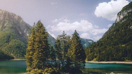 Це озеро в Італії надихає на мандри - фото 1