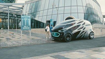 Mercedes-Benz показав прототип безпілотного трансформера - фото 1