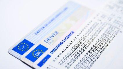 У Великобританії водіям потрібно буде виробляти міжнародні права для подорожей Європою - фото 1