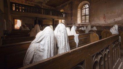 Туристи почали масово приходити до цієї церкви - фото 1