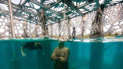 Coralarium є напівзатопленоюгалерею з майже 30 скульптурами - фото 1