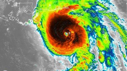 Моторошний ураган Майкл з космосу - фото 1