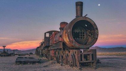 Кладовище старих поїздів у Болівії - фото 1