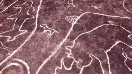 Малюнки були заховані під товстим шаром землі і бруду - фото 1