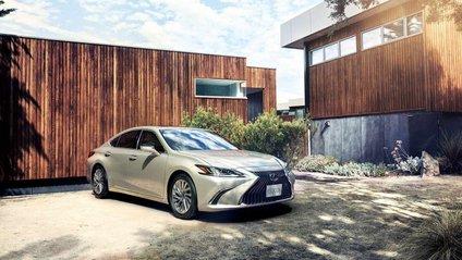 Lexus ES - фото 1