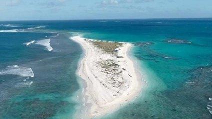 Гавайський острів зник з лиця землі після урагану: фотофакт - фото 1
