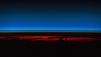 Світанок на орбіті - фото 1