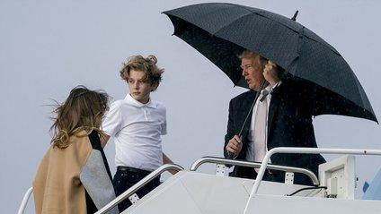 У Трампа просто якісь проблеми з парасольками - фото 1