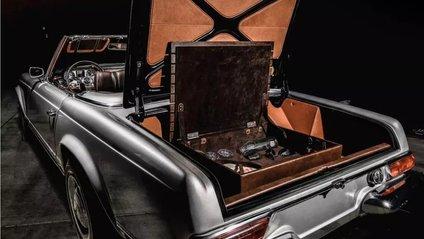 Салон цього Mercedesобшитий коричневою шкірою двох відтінків - фото 1