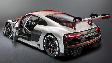 Новенька спортивна Audi R8 - фото 1