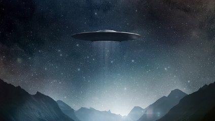 У небі над Ірландією помітили НЛО: відео - фото 1
