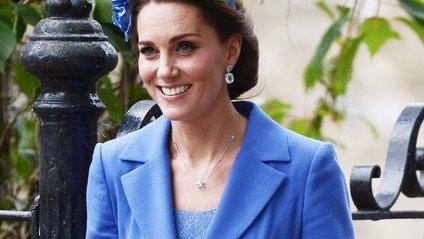 Герцогиня Кембриджська наділа плаття кольору морської хвилі - фото 1
