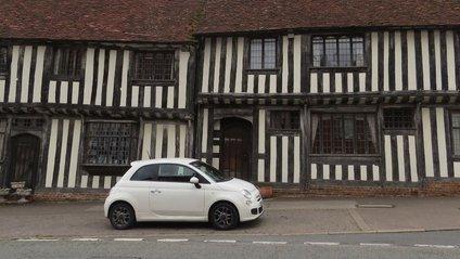 Криві будинки в Англії - фото 1