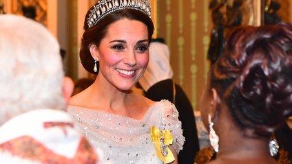 Кейт вийшла усвіт в улюбленій алмазно-перловійтіарі принцеси Діани - фото 1
