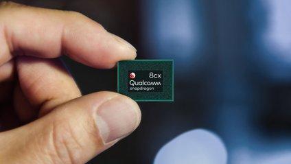 Мікроскопічний процесор Snapdragon 8cx для ноутбуків - фото 1
