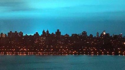 Блакитне сяйво над США - фото 1