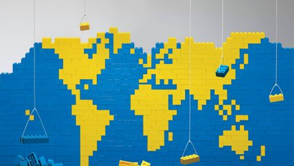 Конструктор Lego збирали з усіх усюд - фото 1