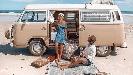 Пара мандрує Австралією і продає вино - фото 1