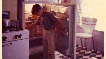 Незмінним супутником холодильника завжди була упаковка з молоком - фото 1