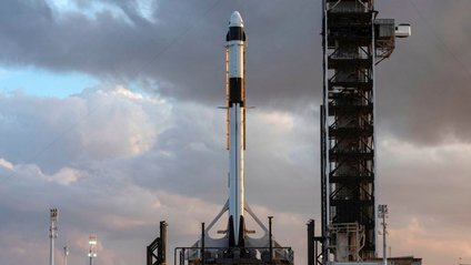 Ракета-носій Falcon 9 - фото 1