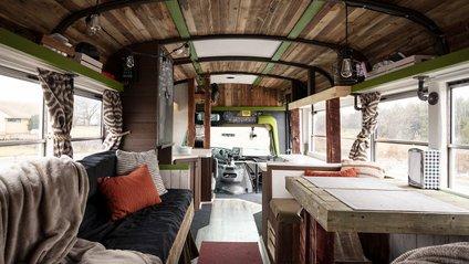 Міні-автобус став будинком на колесах - фото 1