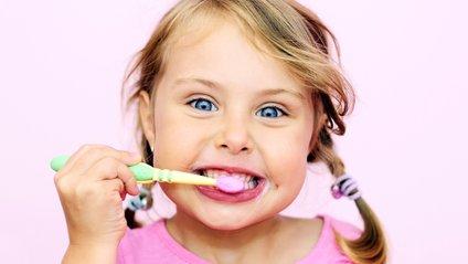 Як вибрати дитячу зубну щітку - фото 1