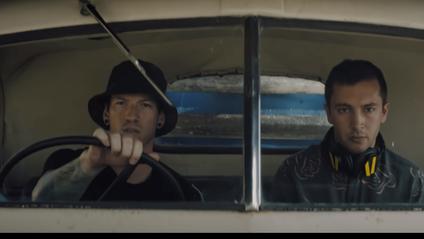 Twenty One Pilots - Chlorine: дивитись кліп онлайн - фото 1