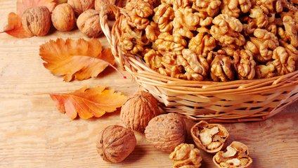 Чому важливо їсти волоські горіхи - фото 1