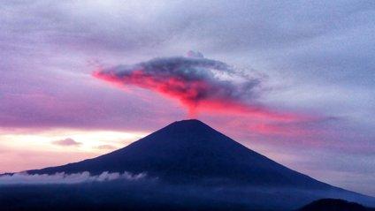 Вулкани на Балі поєднані мережею підземних каналів - фото 1
