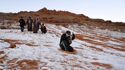 У Саудівській Аравії випав сніг - фото 1