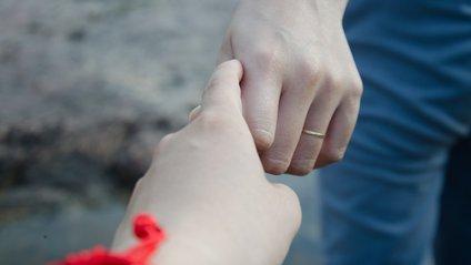 Чоловіки сильніше переживають розлучення - фото 1